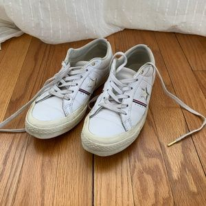 Low Top One Star Converse Sneakers